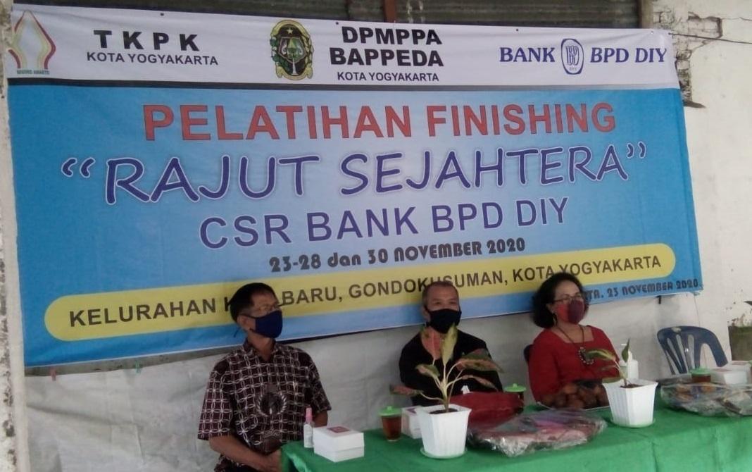 "Pelatihan Finishing ""Rajut Sejahtera"""
