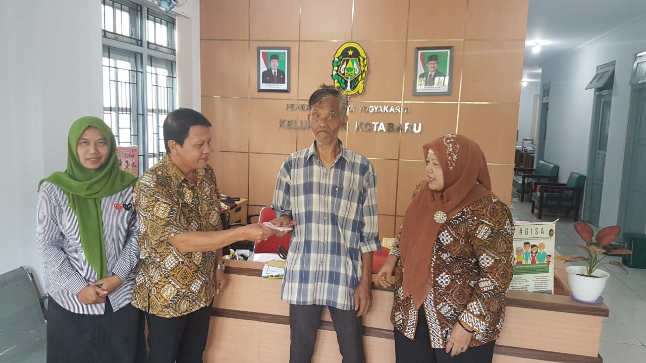 Penerima Bantuan Aslut Kelurahan Kotabaru