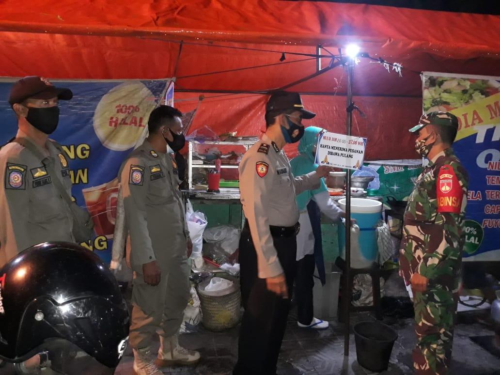 Patroli PTKM Pelaku Usaha di Wilayah Kelurahan Kotabaru